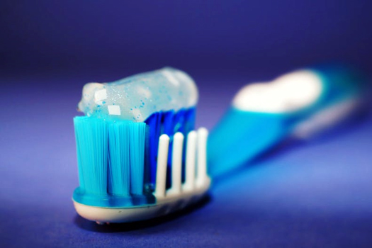 How to prevent teeth discoloration